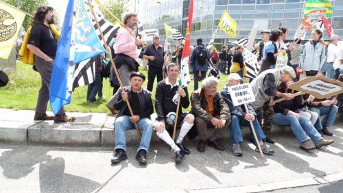 Big moustaches (avec le drapeau Bro-San-Brieg) Didier (avec le drapeau Bro-Naoned)