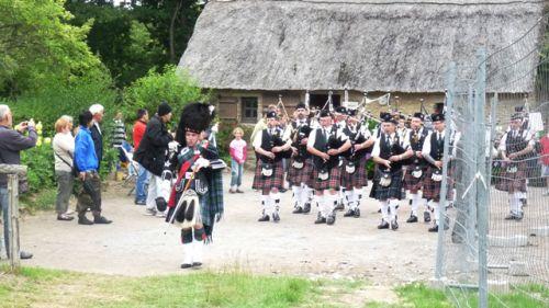 1er défilé d'Askol Ha Brug Pipe Band