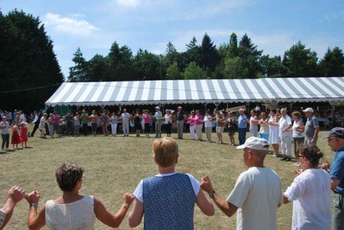 Danseurs à la Fest Deiz de la tante Thurine