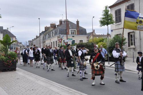Défilé de la Kilt Society de France à Aubigny Sur Nère