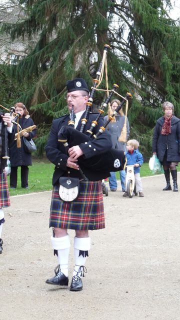 Yves le Pipe Major