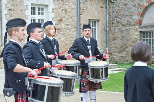 The Drummers of Askol Ha Brug Pipe Band