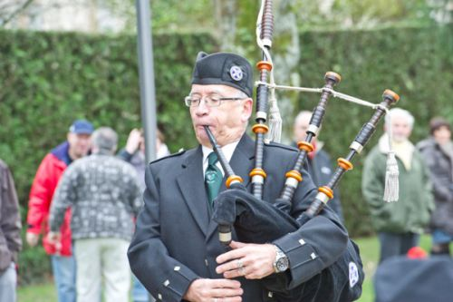 Alan G. as Piper of Askol Ha Brug Pipe Band