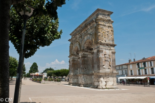 084-   SAINTES-l'Arc de triomphe (1 sur 1).jpeg