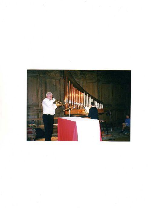 * DWRDAN en concert ,  accompagné à l'orgue *