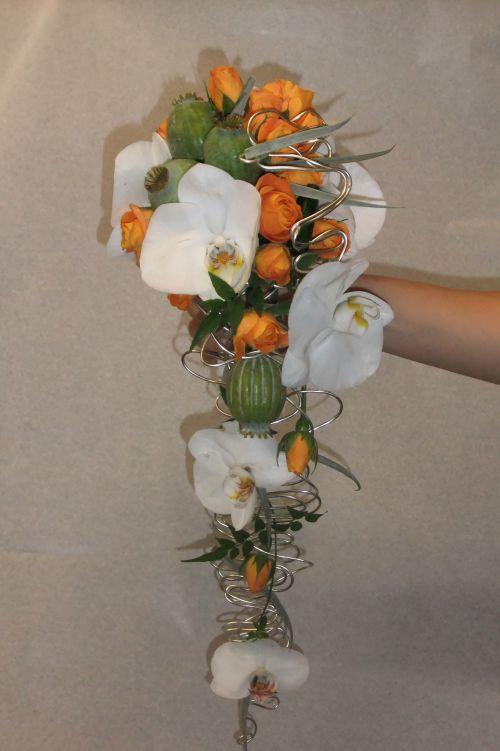 Bouquet de mariée avec travail de laiton orchidée