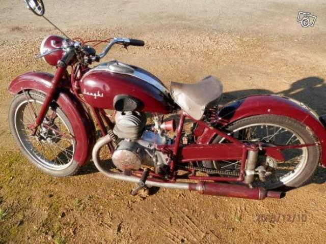 11 jonghi 250 cc 1955.jpg