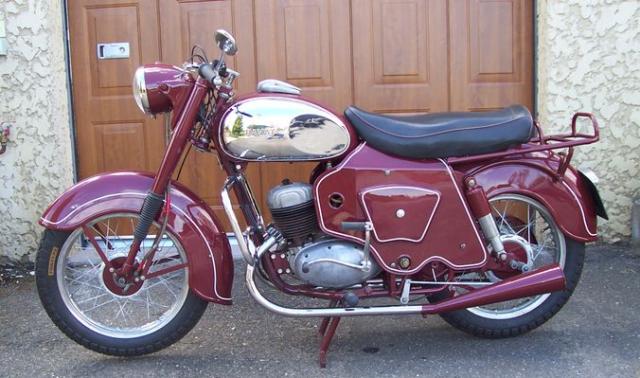 10 RAVA 125 1955.png