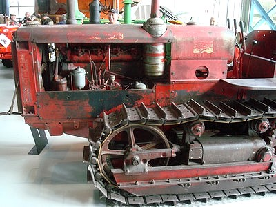 1938_tracteur_chenilles_deering_DSC04046.jpg