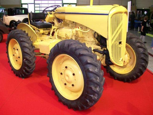 1946 CITROEN-Tracteur-J-4-roues-.jpg