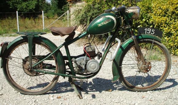8 PIAT 70 CC 3 VIT MOT LAVALETTE 1954 LYON.png