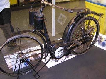 0-1 velomot moteur en etoile.png