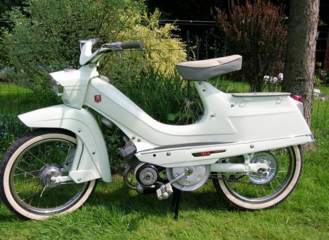 12-1 peugeot 104 1961.png