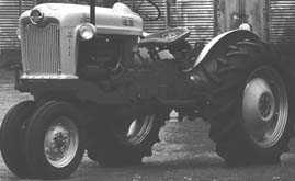 1954 ford 700.png