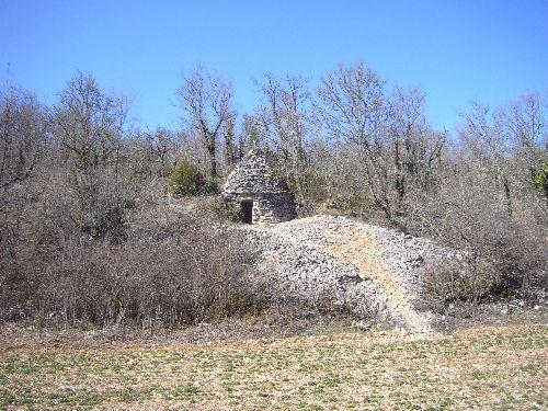 Cabane de berger du Quercy en pierre sèche, appelée gariotte ou caselle