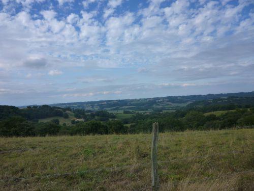 Vue sur le paysage près de Fichous-Riumayou