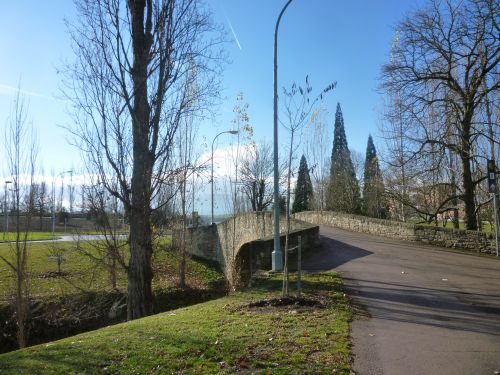 Pont près de l'Université de Pampelune
