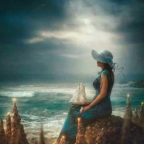 Femme qui regarde la mer 5.jpg