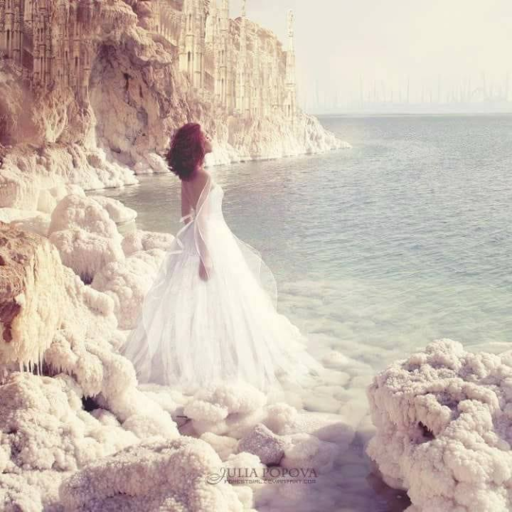 Femme face à la mer.jpg