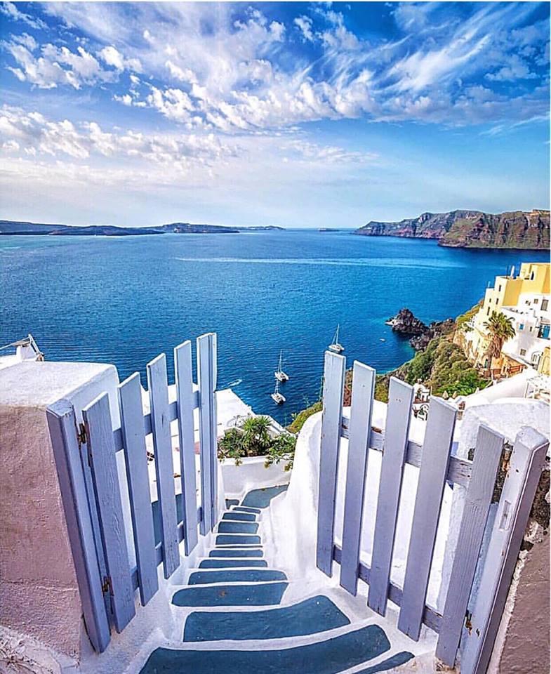 Escalier donnant sur mer.jpg