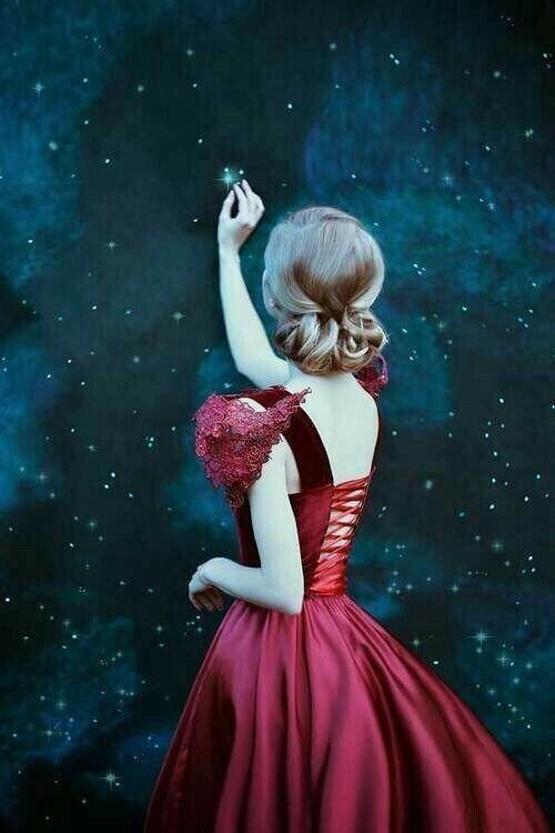 Femme qui attrape une étoile.jpg