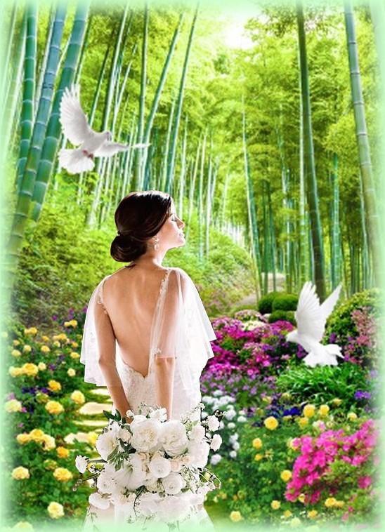 Femme sur allée fleurie 2.jpg