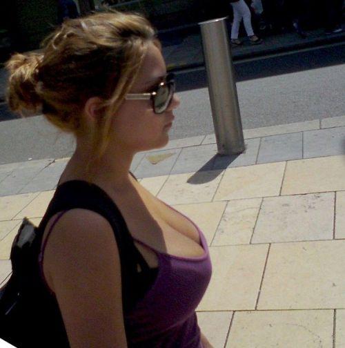 salope 18 ans à gros seins