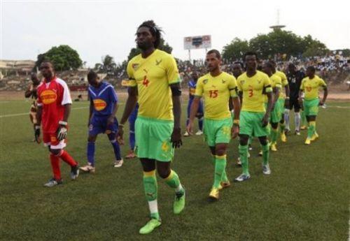 Match d'hommage aux victimes à Lomé