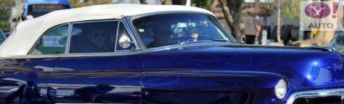 . Johnny s'offre une nouvelle voiture, uneCadillac Eldorado 1953