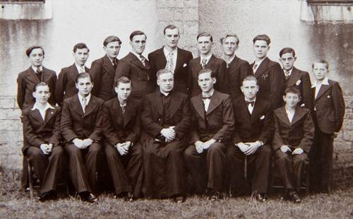 Adieux abbé Grzadka Baudras-Magny vers 1936.jpg