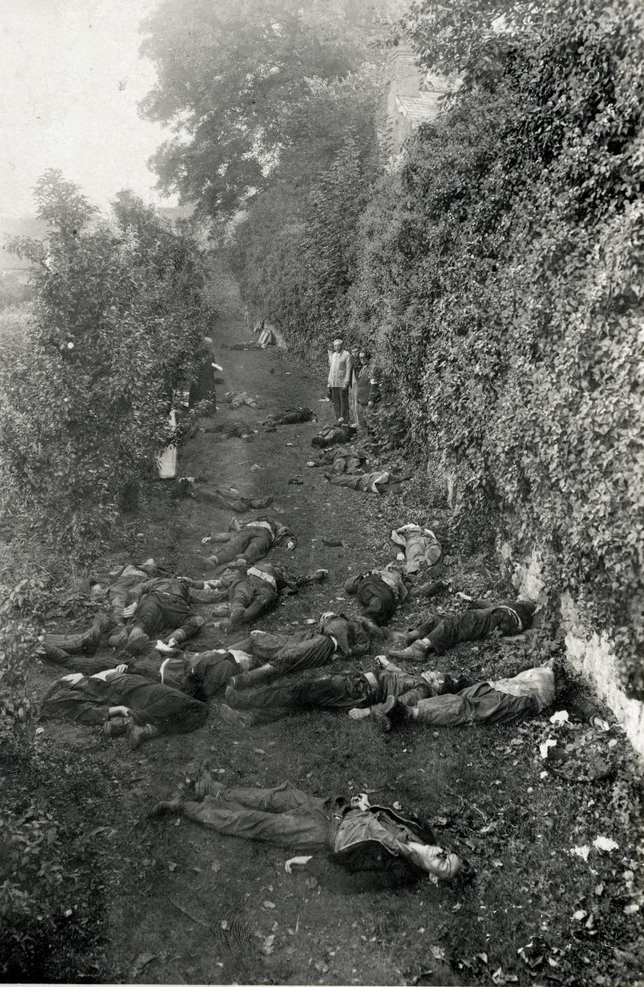 Les massacrés du 8 septembre dans les jardins du petit séminaire (maquisards de la compagnie