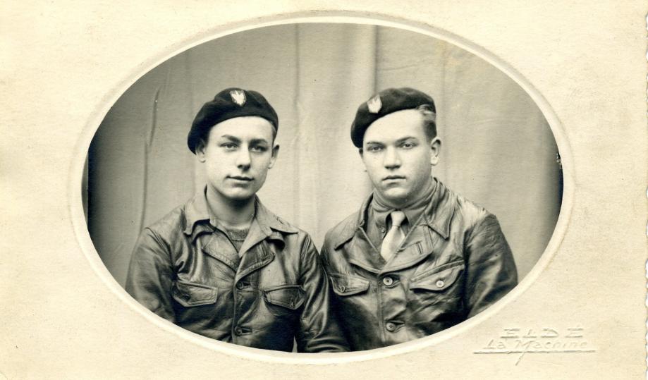 Stefan NOWAKOWSKI et Leon DISKIEWICZ, à leur engagement - Decize / La Machine / Dijon, septembre 1944.