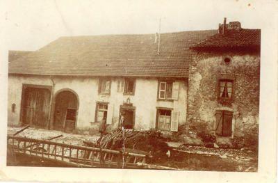 Maison lorraine du XVI-XVIIème siècle, rue des Fontaines. Vue de 1945.