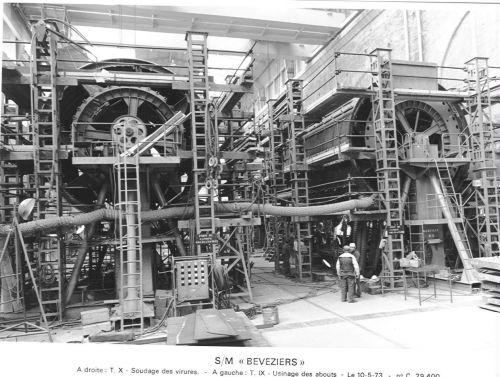 CONSTRUCTION DU S/M BEVEZIERS à CHERBOURG .