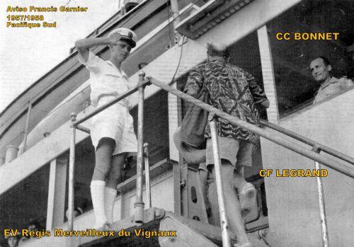 REGIS MERVEILLEUX DU VIGNAUX = Enseigne  de vaisseau :ce 26.11.2010 à 09h53 .