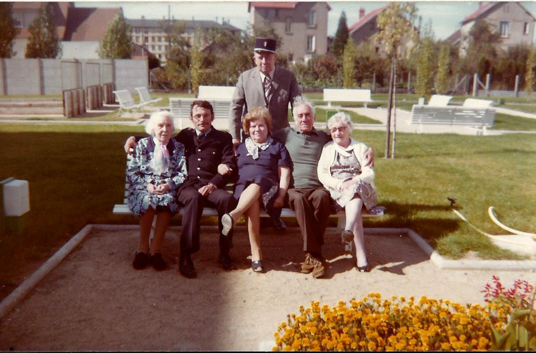 Scan Photo RPA décembre 1977.jpg