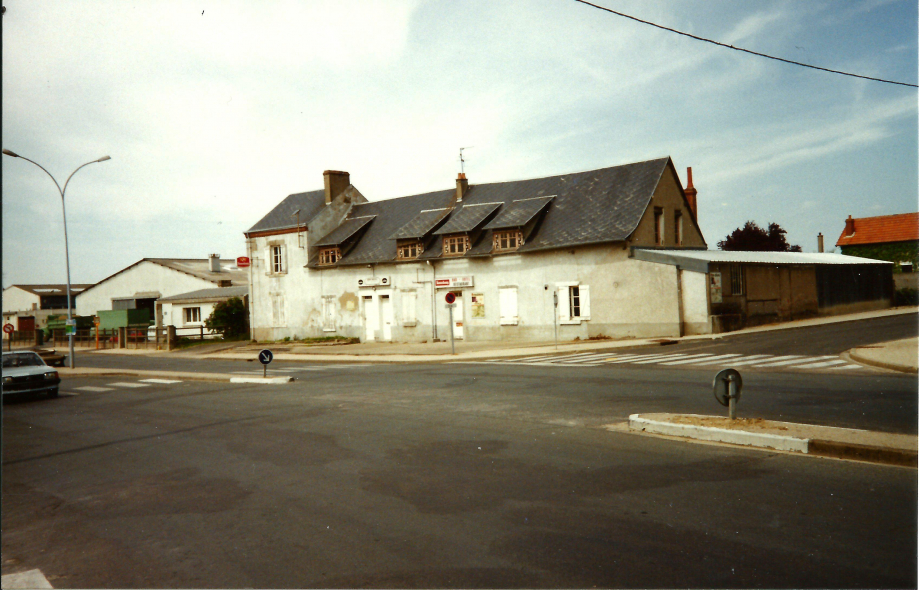 Café Restaurant  Le Bar des Sports mai 1992.jpg