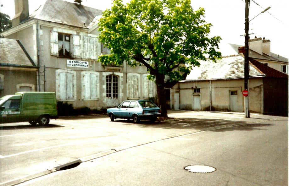Scan Photo Château du Perron Fleury les aubrais.jpg