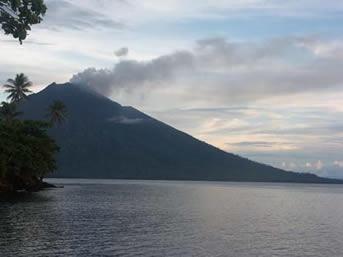 Volcan Manam, Nouvelle - Guinée