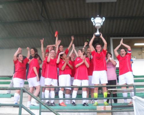 Coupe du Limousin à 11 (1) Foot Sud 87 avec le trophée.jpg