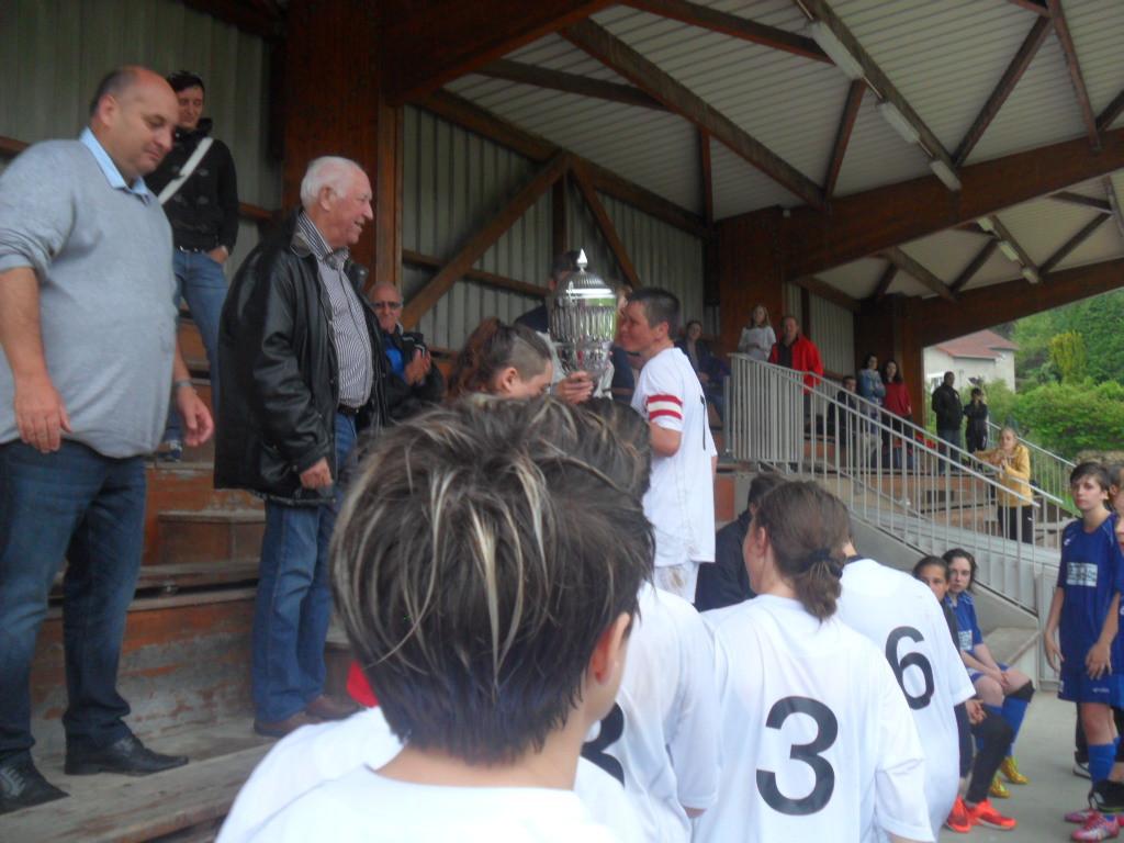 Coupe du Limousin à 11 - remise du trophée au CS Allassac.jpg