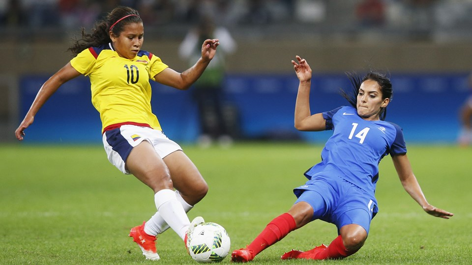 France-Colombie (1) Necib et Leicy Santos.jpg