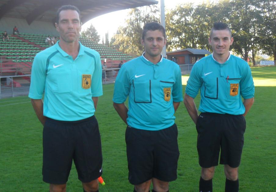 Limoges-Ligugé (0) les arbitres.jpg