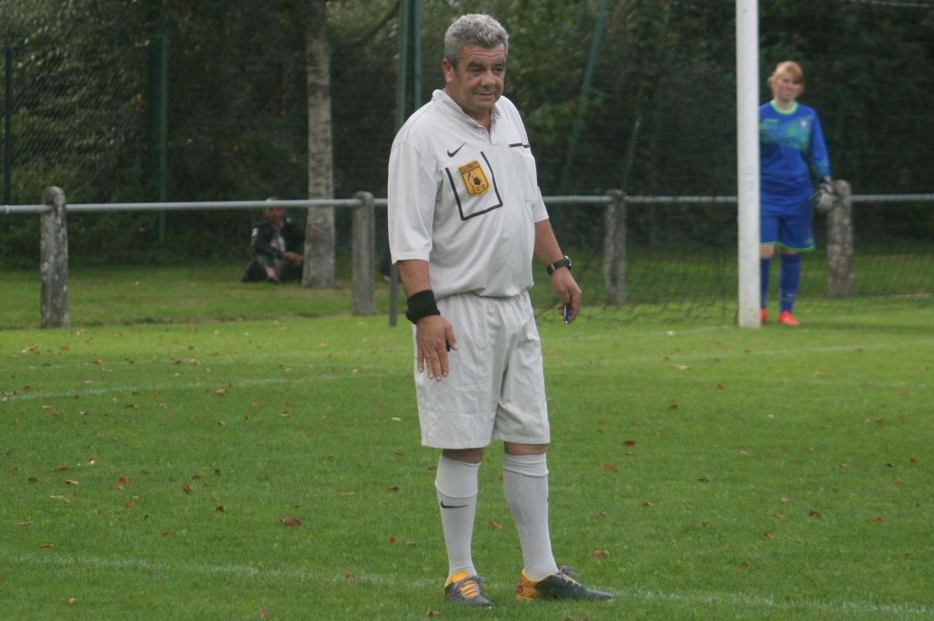 Limoges-Oradour (1) l'arbitre Mohammed Makour.jpg