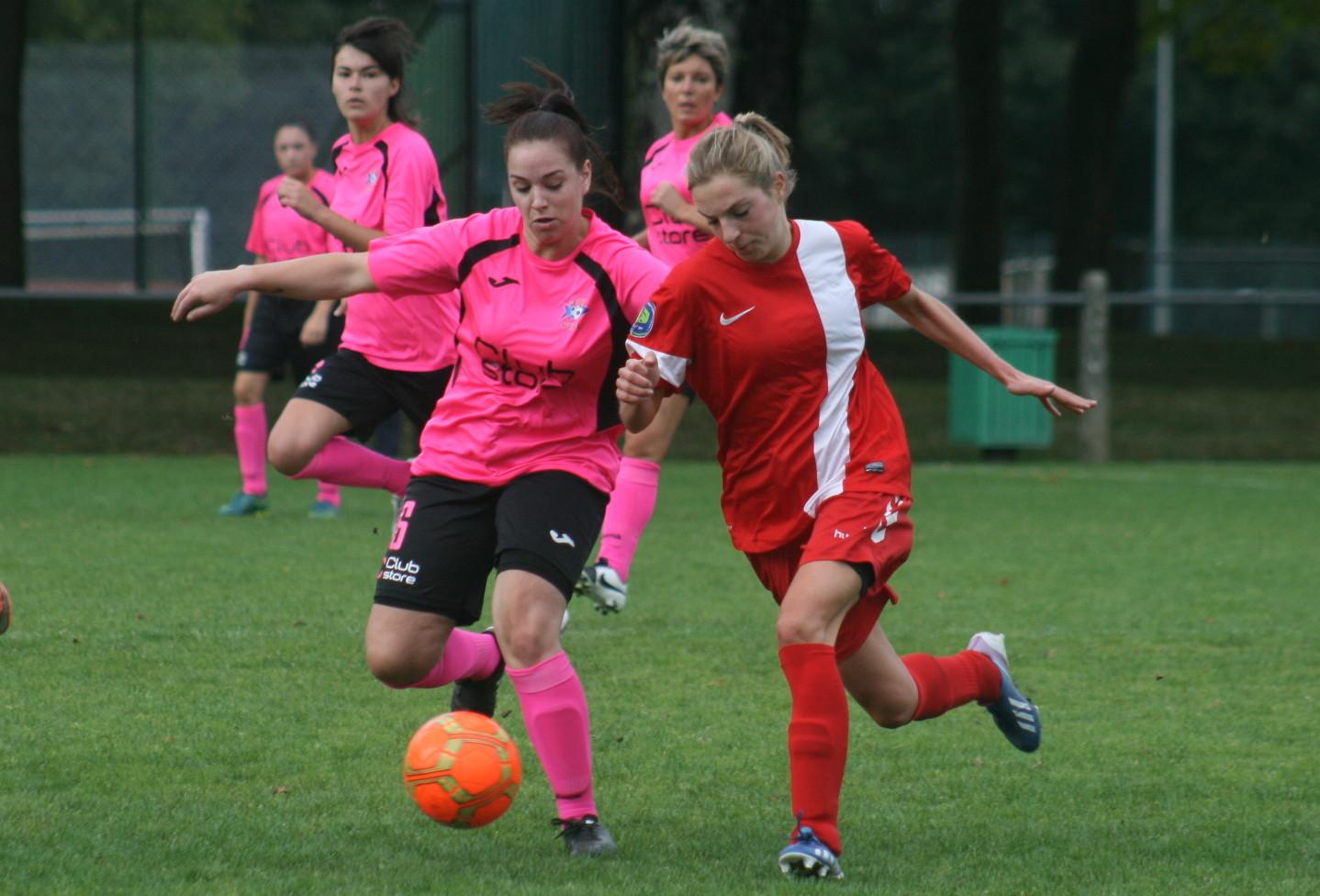 Limoges-Oradour (3) Elina Antraygue et Morgane Daurat.jpg