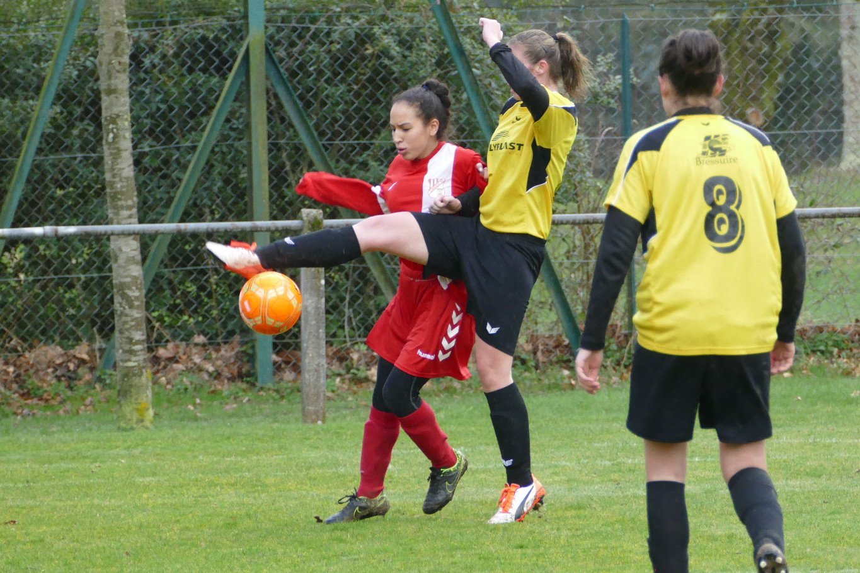 Limoges FC-Bressuire (6) Mina Taleb de retour sur les terrains.jpg