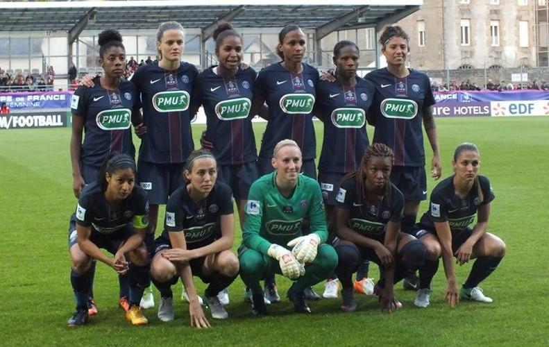 PARIS SAINT-GERMAIN FC Debout de gauche à droite : Lawrence, Paredes, Georges, Delie, Formiga, Cristiane Accroupis : Cruz Traña, Delannoy, Kiedrzinek, Geyoro, Périsset