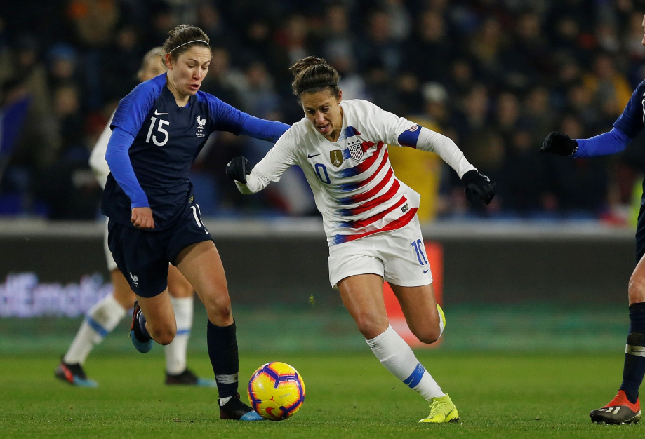Elise Bussaglia et Alex Morgan