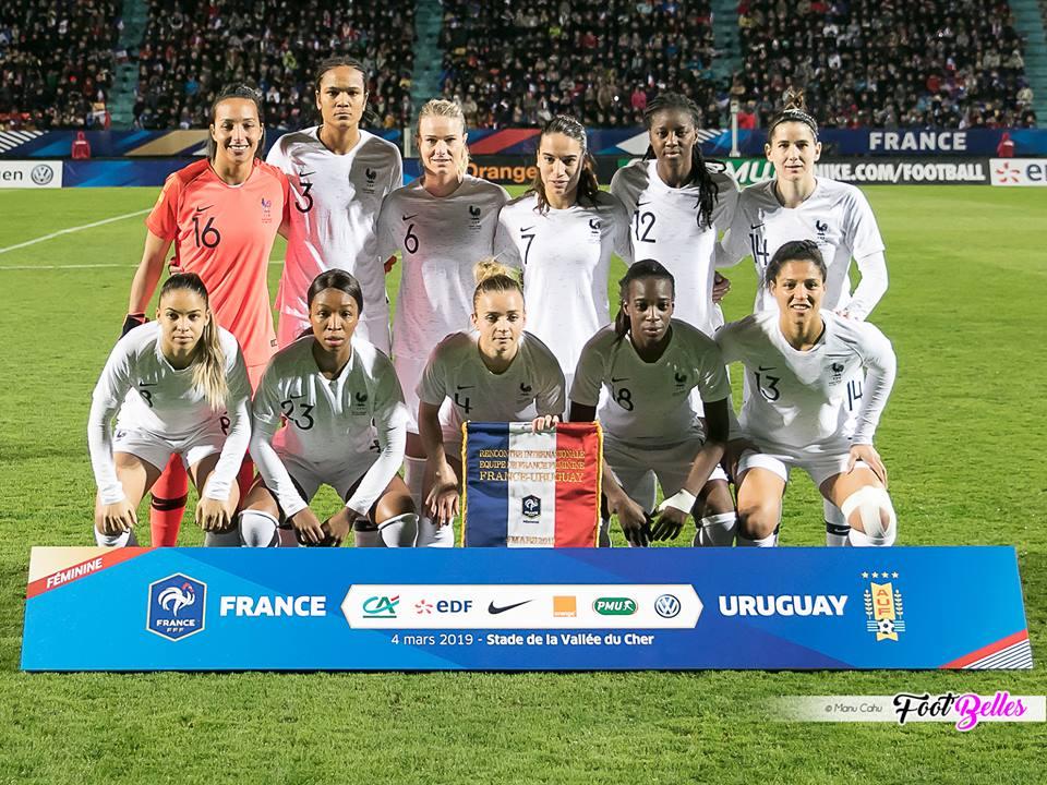 FRANCE Debout de gauche à droite : Bouhaddi, Renard, Henry, Majri, Tounkara, Bilbault Accroupis : D. Cascarino, Geyoro, Torrent, Asseyi, Gauvin