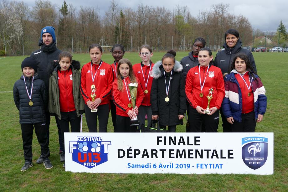 LIMOGES FC avec les trophées